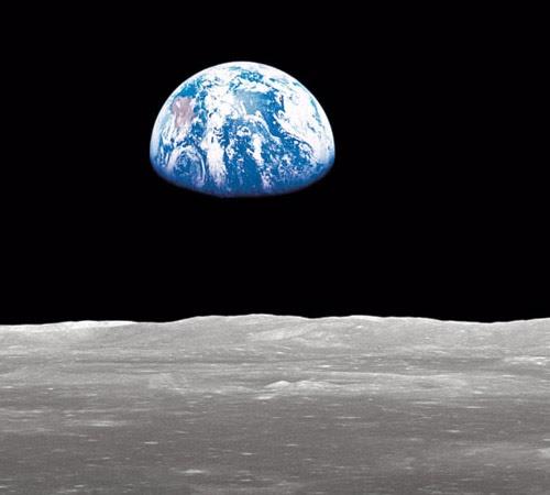 Earthrise-68